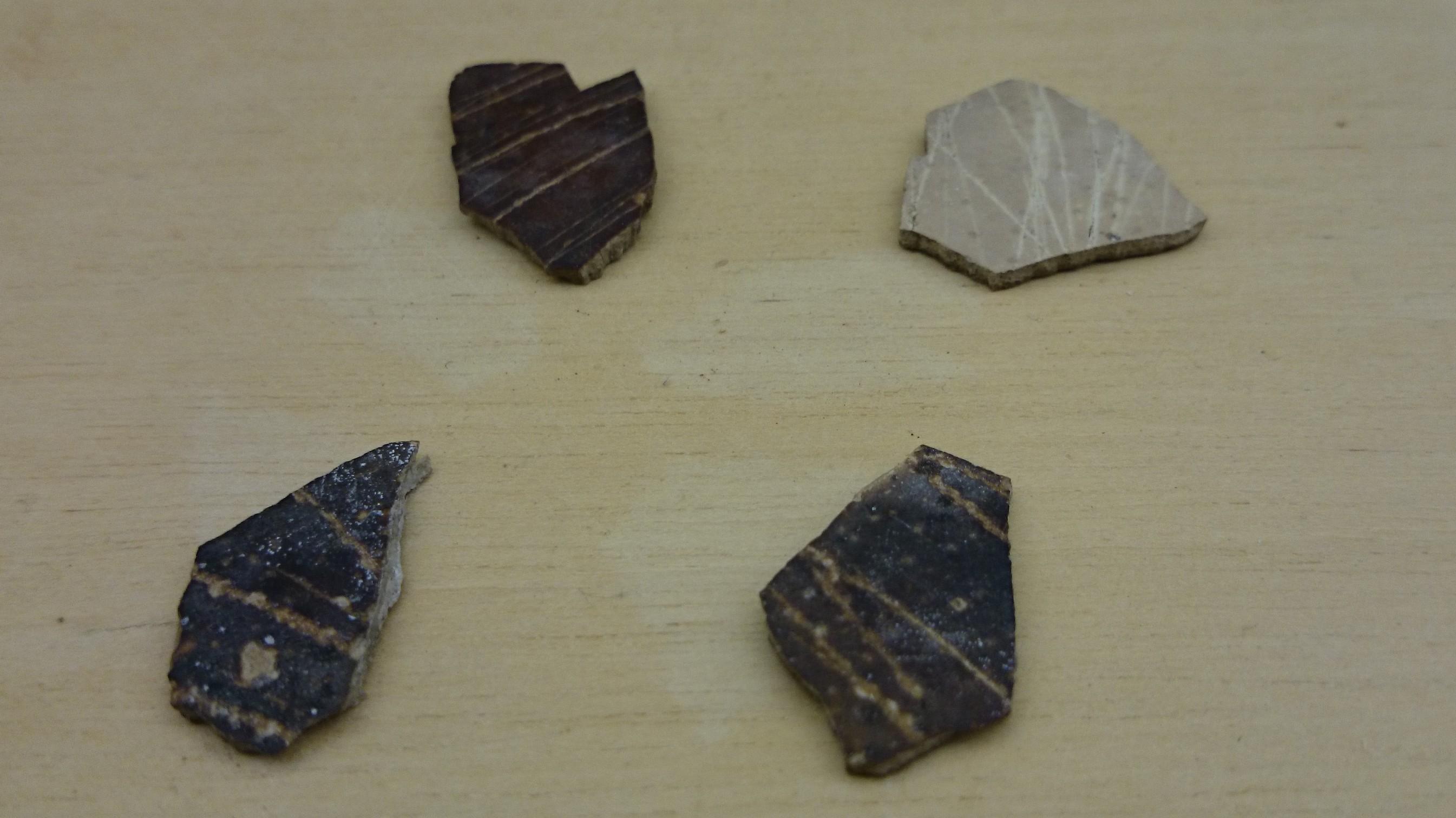 Oeuf d'autruche décoré à la préhistoire
